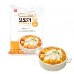 Yopokki Bolinho de Arroz Coreano Instantâneo sabor Queijo Topokki - 120 gramas