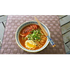Lamen Coreano Namja Ramen Ramyun Picante Carne Vegetais Alho 100g