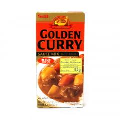 Tempero Golden Curry Amakuchi com Sabor Suave Picante nível Fraco S&B - 92 gramas