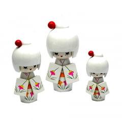 Trio de Boneca Japonesa Kokeshi Branca - Detalhes Florais